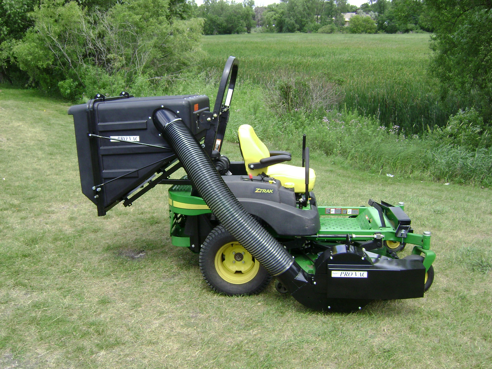 Lawn Bagger For Zero Turn Mowers Pv 18 Protero Inc